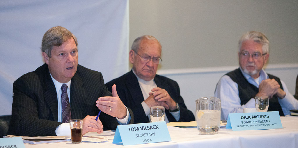 Image of Secretary of Agriculture Tom Vilsack speaking at a forum.